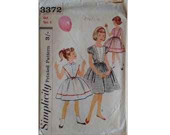 """Vintage 60's Simplicity 3372 Girls Sewing Pattern Girls Party Flower Girl Dress 3 Options Bust 26"""""""