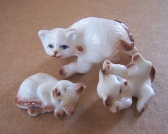 Cat- Momma and kittens- Animal figurines-cat collection-cats at play-Brown and White kitties-Collectible