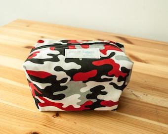 Red Camoflauge boxy zip bag-Large