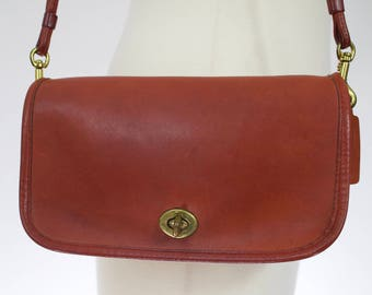 Vintage 1980s COACH Red Leather Bonnie Cashin Shoulder bag/ Made in New York City USA 2158