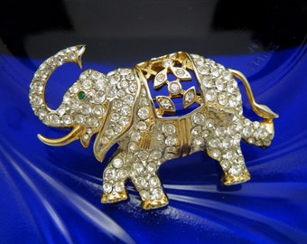 Super Cute Vintage Rhinestone Elephant Brooch Pendant Trunk Up For Luck