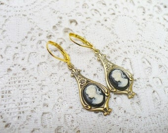 Vintage Art Deco Style Black and White Cameo Dangle Earrings - antiqued gold tone metal - Pierced dangles - vintage Cameo - BRIDESMAID Gift