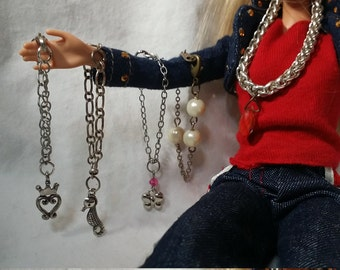 Barbie jewelry. Barbie.  Barbie necklace. Barbie accessories. Miniature necklace. Miniature jewelry. Miniatures. Barbie pearl necklace
