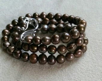 A Rich Brown freshwater pearl necklace