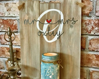 Rustic Shabby Chic Mr & Mrs personalised wedding sign gift Keepsake
