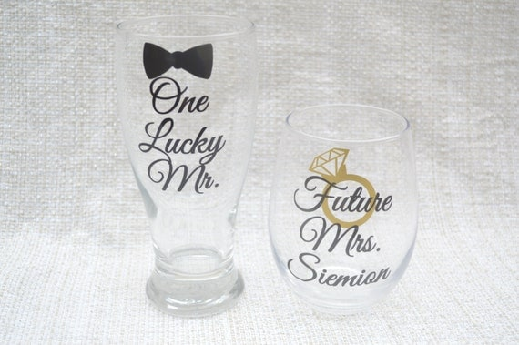 ... Couples Gift, Couples Glasses, Wedding Gift Glasses, Mr and Mrs Gift