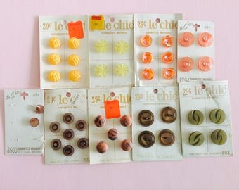 Vintage Buttons, Le Chic Buttons, Button Lot, Button Assortment, Vintage Sewing Supplies, Retro Buttons, Yellow, Green, Pink Buttons