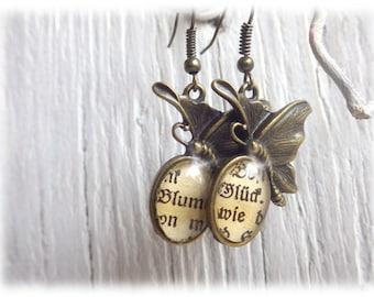 Glück und Blume - Ohrringe Literatur Schmuck Ohrhänger im Vintage Stil mit edlem Cabochon
