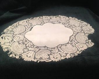 Antique bobbin lace, oval placemat