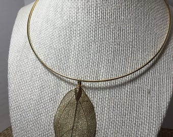Gold Tone Leaf Collar Necklace