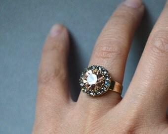 Beige crystal ring