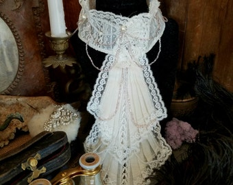 Antique/ Vintage Victorian Lace ruffle collar/ beaded necklace