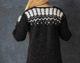Handmade sweater from Icelandic wool