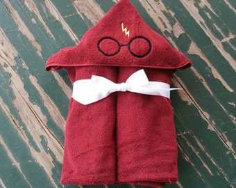 Wizard Glasses & Scar , Embroidered Hooded Bath and Beach Towel