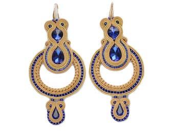 Jasira- beautiful earrings soutache ! Charming! Orecchini soutache, Boucles d'oreilles