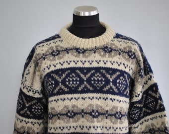 Vintage HANDMADE PURE WOOL men's sweater.....(024)
