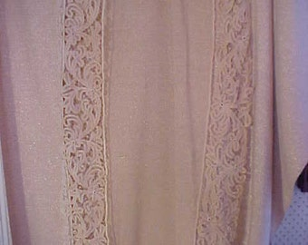 """Antique Ecru Battenberg Lace, Scarf 23x46"""" and has 5 3/4"""" Lace, Sold AS IS Needs Work # 2017"""