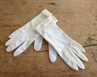 White Retro Ladies Gloves