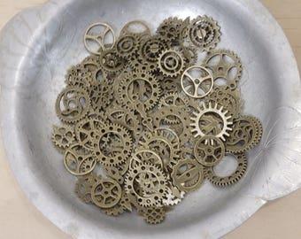 Gear Charm Mega Mix. (steampunk dieselpunk, bronze, pendant, cog retro vintage)