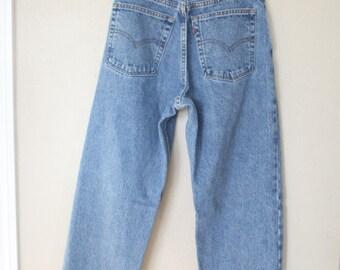 vintage 1980's high rise  levis 560 mom  jeans denim 28