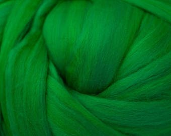 Dyed Merino - Kelly - Solid color commercial dyed - combed top roving spinning felting fiber fibre arts  - green blue bright