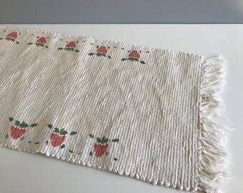 White Table Runner With Apple Motif / Cotton Rag Runner