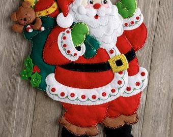 Bucilla Here Comes Santa ~ Felt Wall Hanging Kit #86737, Toys, 2016, DIY