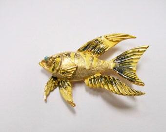 HATTIE CARNEGIE Large Enameled Fish Brooch Item W # 365