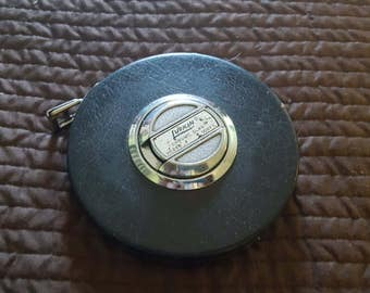 "Vintage LUFKIN HC 256 ""chrome clad"" 100 ft tape measure, good condition, {004"