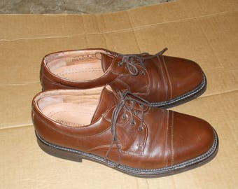 Bostonian dress shoes. Made in Italy. Men's brown leather shoes,  Size 9M