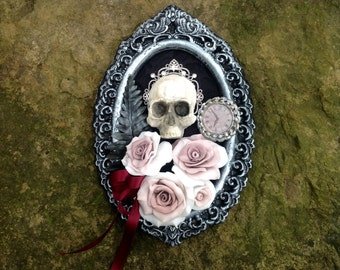 Skull and roses artistic gothic panel