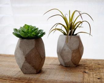 ONE Mini Geometric Concrete Planter Cement Planter Succulent Planter Stone Planter Minimalist Mini Planter Concrete Vase Oblong