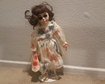 Creepy Porcelain Doll Dililayh