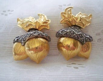Avon Acorn Clip On Earrings