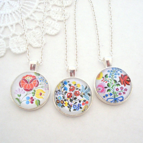 Floral Bohemian Necklace, Colourful Embroidery Necklace, Kalocsa Art Pendant, Floral Necklace, Layering Necklace, Gift for Her
