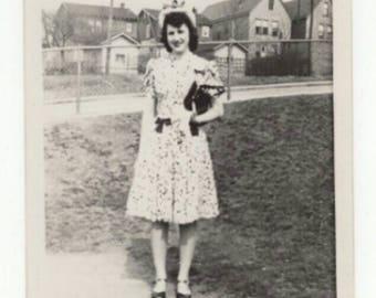 Vintage Black & White Snapshot Photo 1940s Women Pretty Dress