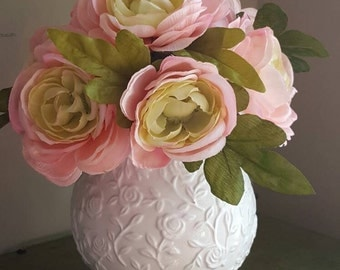 English Roses, Rose Flower Arrangement, Pink Flower Arrangement, White Rose Pattern Vase, Compact Floral Table Top, Pink Flowers