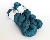 Hand dyed sock yarn, fingering weight yarn, 100% superwash Merino wool - 'Lakeshore' kettle dyed yarn, 4-ply Fortuna Sock yarn