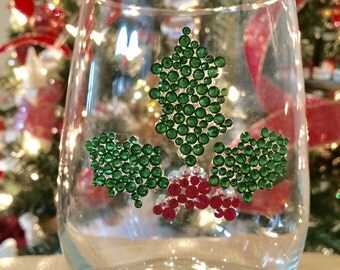 Holly Crystallized Wine Glass