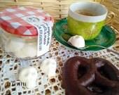 Mini Sugar Skulls, Day of the Dead, sugar and meringue