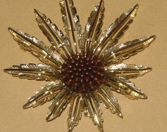 Vintage Floral Starburst Sunflower Pin Brooch Clip Sarah Coventry Gold Tone