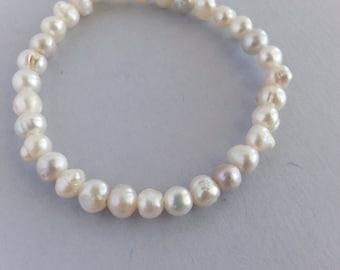 White pearl, stretch bracelet