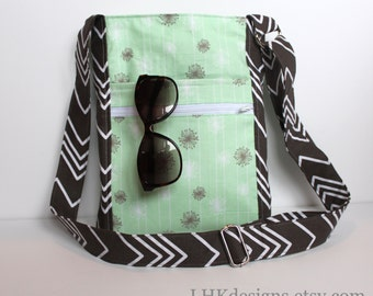 Mint and gray springtime crossbody purse with pockets and adjustable strap
