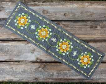 Floral cotton tablecloth Folk art textile doily, Swedish cross stitched embroidered doily Scandinavian vintage Table topper Runner 1960s