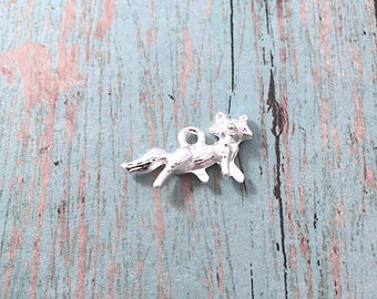 8 Fox charms 3D silver plated - silver fox pendants, woodland animal charms, forest charms, fairy tale charms, woodland pendants, V5