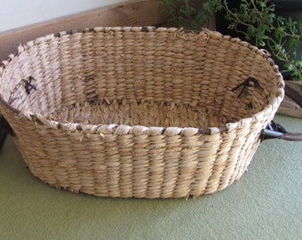 Oval Straw Basket Garden Trug With Leather Handles Iron Framed Woven Vegetable Gathering Vessels Metal Farmhouse Home Decor Outdoor Gardens
