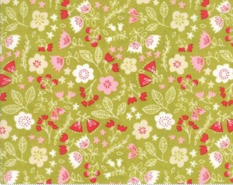 Toss the Garden Green cotton fabric,  Just Another Walk in the Woods by Moda