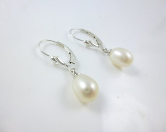 Pearl Earrings, Pearl Drop Earrings, Sterling Silver Pearl Dangle Earrings