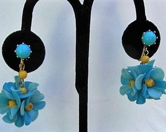 Fun 60's flower plastic ball dangle clip on earrings Mod flower power clip on earrings