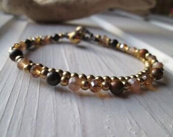 Pearl bracelet with shimmering Crystal beads * hippie boho Festival style * topaz
